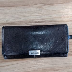 ✨4/20 ✨Kenneth Cole Reaction Wallet